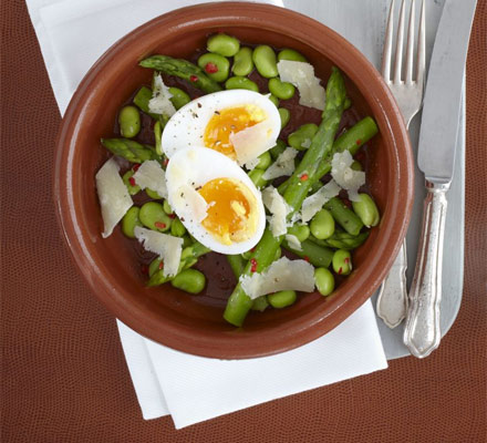 Duck eggs with chilli salad