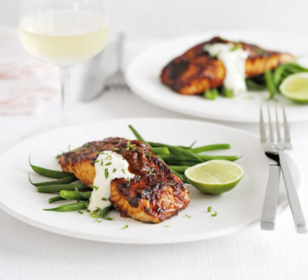 Grilled salmon with chilli