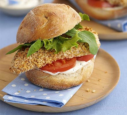 Chicken burgers with lemon mayo
