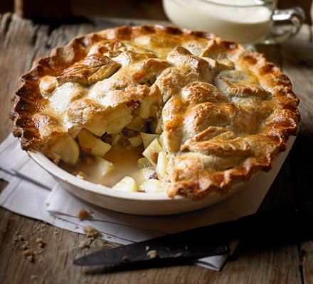Apple & ginger pie with walnut pastry
